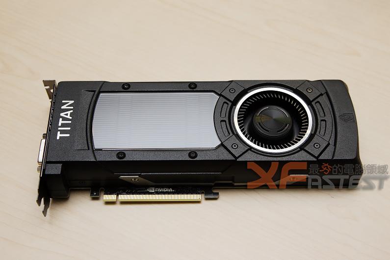 性能超強悍的 NVIDIA TITAN X顯示卡